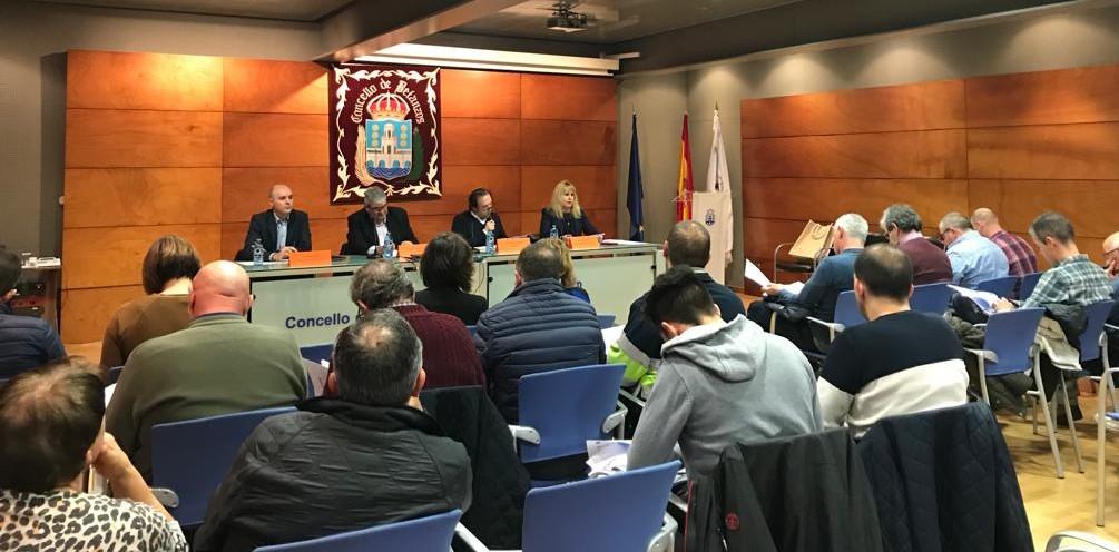 Pymes forestales participan en Betanzos en un encuentro para conocer las líneas de apoyo para la industria forestal